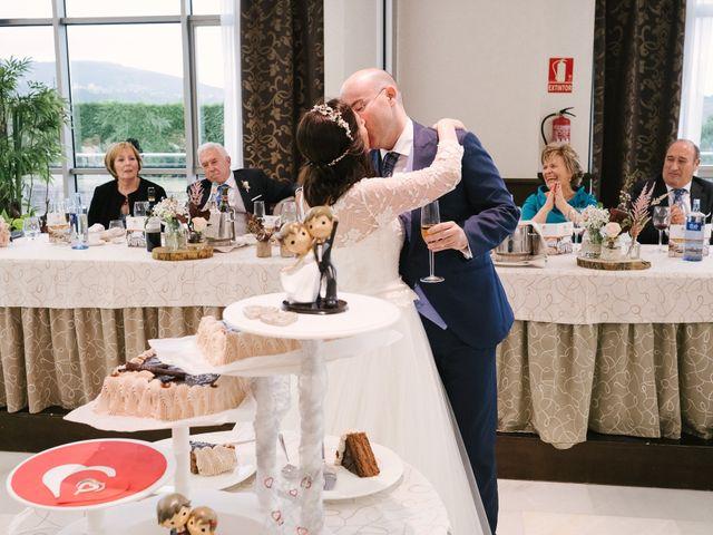 La boda de Víctor y María en Soto Del Barco, Asturias 59