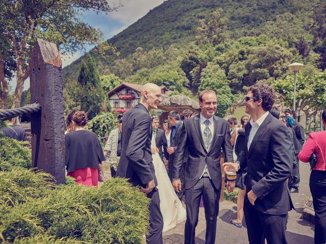 La boda de Aritz y Hiart en Kortezubi, Vizcaya 17