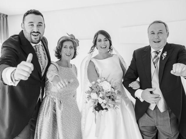 La boda de Toño y Andrea en Oviedo, Asturias 13