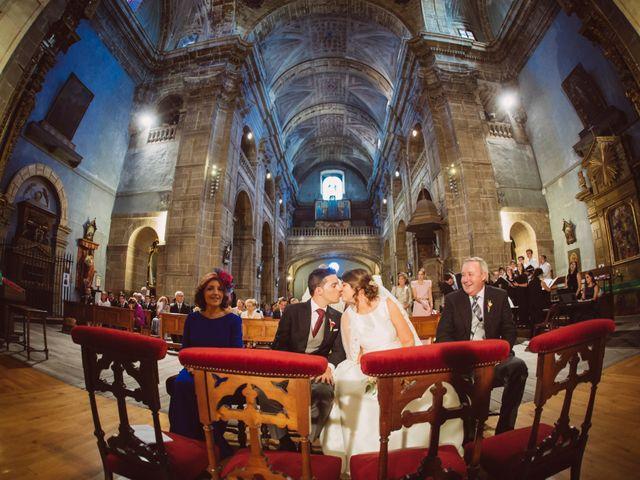 La boda de Toño y Andrea en Oviedo, Asturias 24