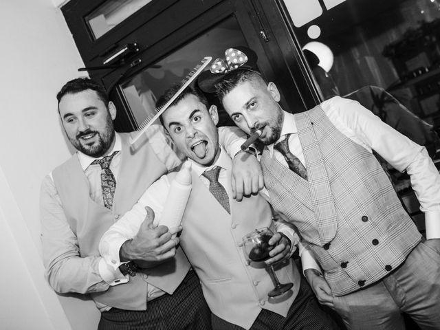 La boda de Toño y Andrea en Oviedo, Asturias 53