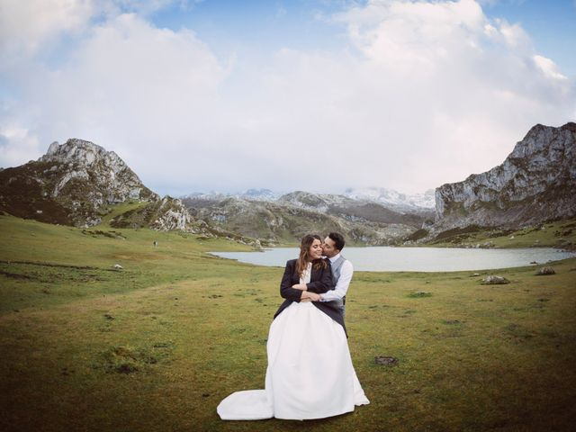 La boda de Toño y Andrea en Oviedo, Asturias 63