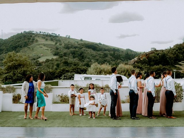 La boda de Astrid y Nelson en Orio, Guipúzcoa 35