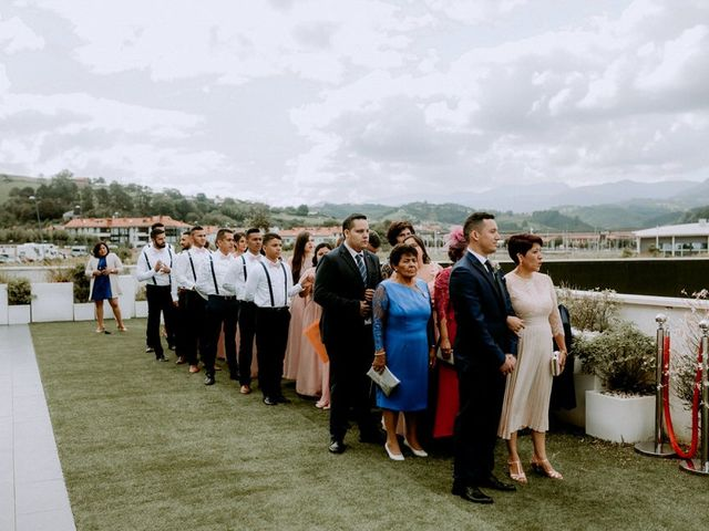La boda de Astrid y Nelson en Orio, Guipúzcoa 36