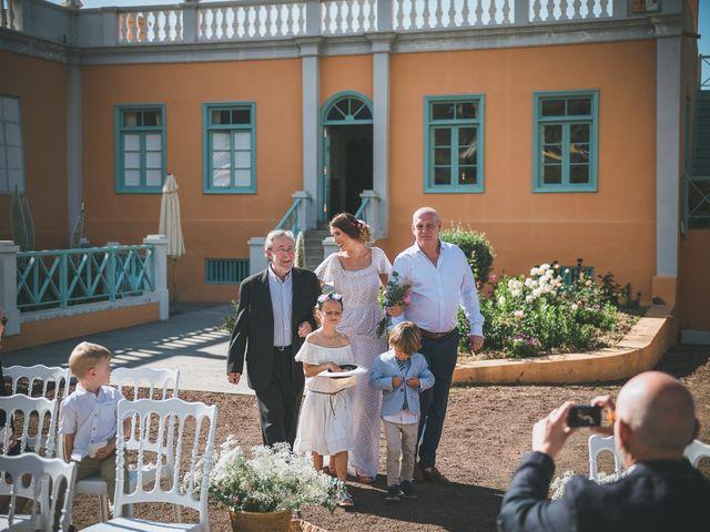 La boda de Christian y Paula en Santa Cruz De Tenerife, Santa Cruz de Tenerife 23
