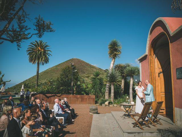 La boda de Christian y Paula en Santa Cruz De Tenerife, Santa Cruz de Tenerife 24