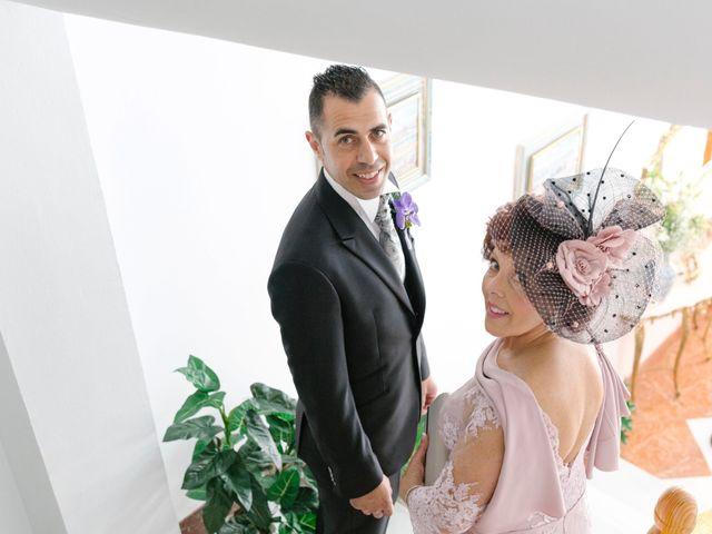 La boda de Manuel y Raquel en Huescar, Granada 23