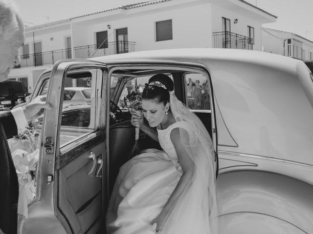 La boda de Manuel y Raquel en Huescar, Granada 31