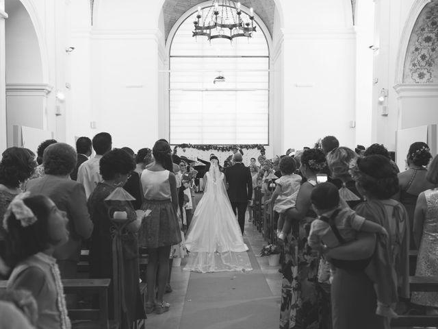 La boda de Manuel y Raquel en Huescar, Granada 32