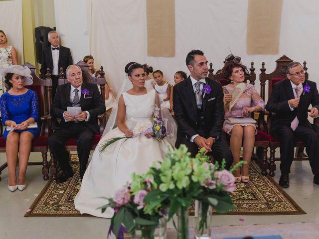 La boda de Manuel y Raquel en Huescar, Granada 36