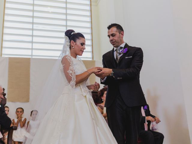 La boda de Manuel y Raquel en Huescar, Granada 44