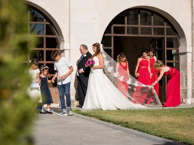 La boda de Saúl y Beatriz  en Fuentidueña, Segovia 49