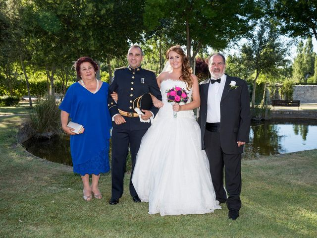 La boda de Saúl y Beatriz  en Fuentidueña, Segovia 73
