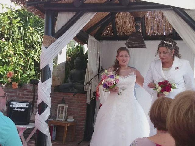 La boda de Irene  nevado y Maria muñoz en Benalmadena Costa, Málaga 21
