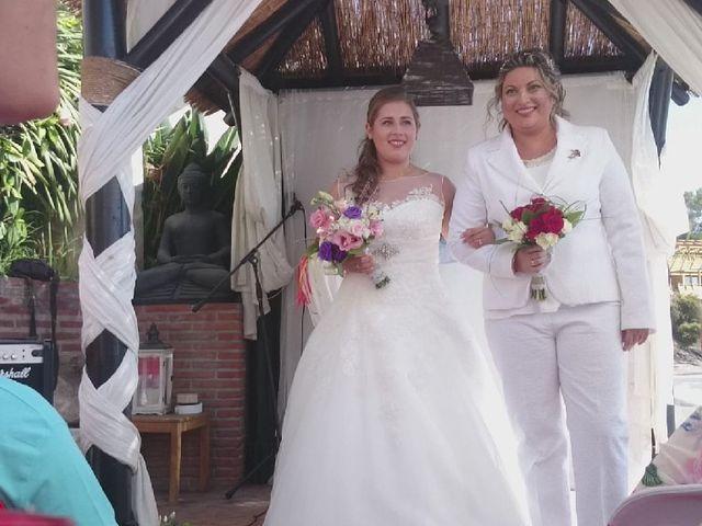 La boda de Irene  nevado y Maria muñoz en Benalmadena Costa, Málaga 27
