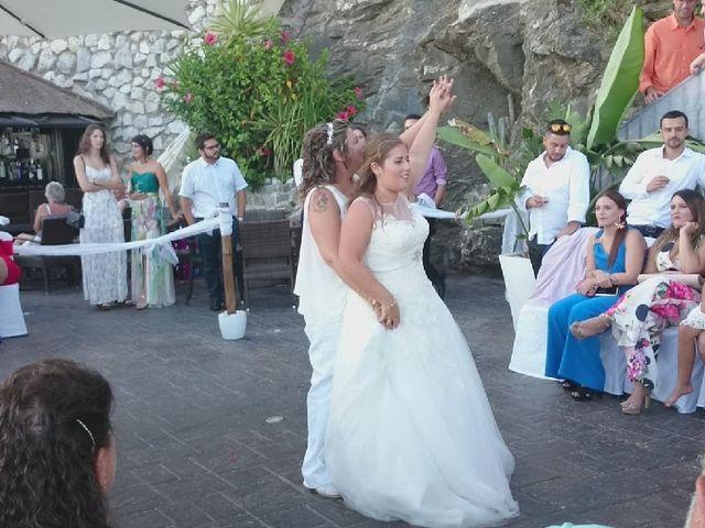La boda de Irene  nevado y Maria muñoz en Benalmadena Costa, Málaga 29