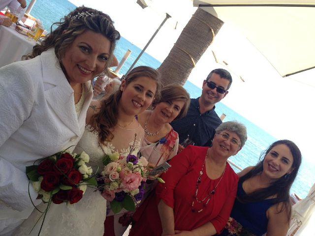 La boda de Irene  nevado y Maria muñoz en Benalmadena Costa, Málaga 31