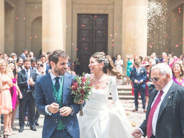 La boda de Sergio y Victoria en Pamplona, Navarra 23