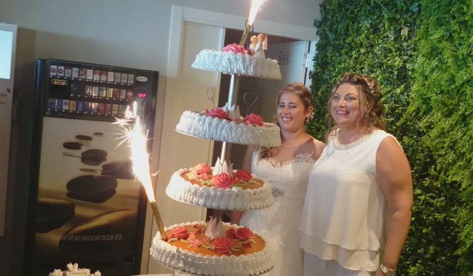 La boda de Irene  nevado y Maria muñoz en Benalmadena Costa, Málaga