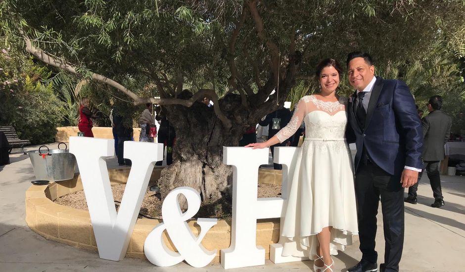 La boda de Harry y Victoria en Sant Vicent Del Raspeig/san Vicente Del, Alicante