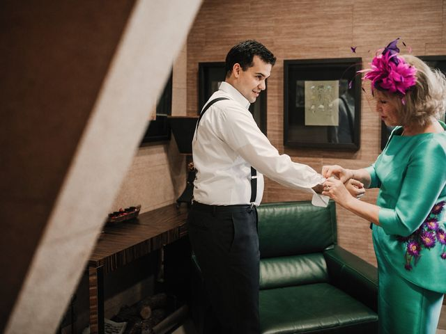 La boda de Carlos y Noelia en Ballesteros De Calatrava, Ciudad Real 10