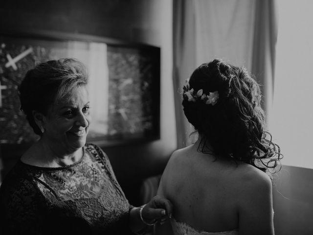 La boda de Carlos y Noelia en Ballesteros De Calatrava, Ciudad Real 24