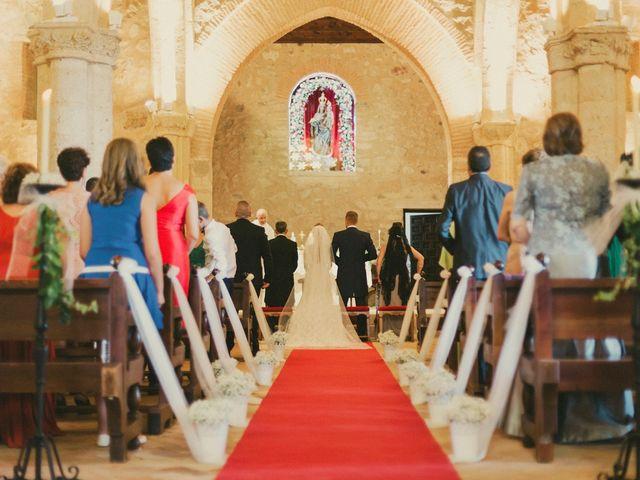 La boda de Iván y Cristina en Ballesteros De Calatrava, Ciudad Real 20