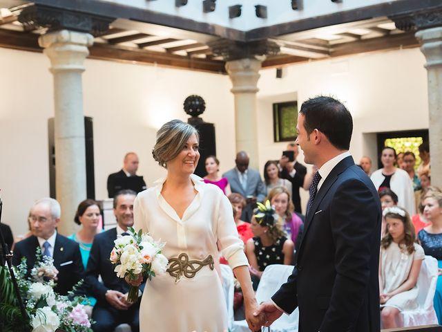 La boda de Jose y Angélica en Oviedo, Asturias 21