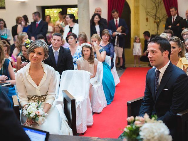 La boda de Jose y Angélica en Oviedo, Asturias 24
