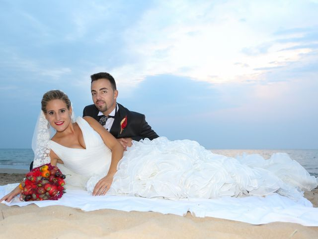La boda de Juan Carlos y Noemí en Elx/elche, Alicante 102