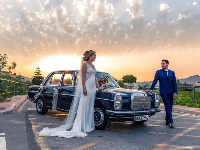 La boda de Fuensanta y Ángel