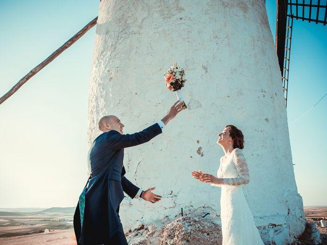 La boda de Stuart y Eva en Consuegra, Toledo 31
