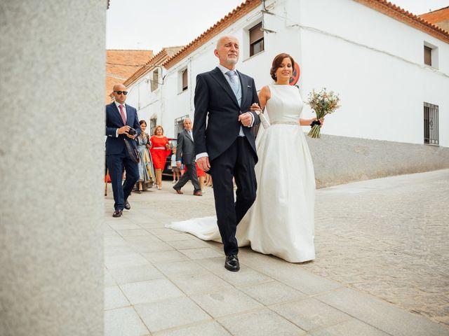 La boda de Daniel y Veronica en Herrera Del Duque, Badajoz 27