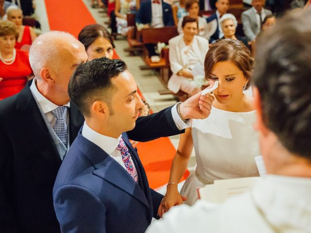 La boda de Daniel y Veronica en Herrera Del Duque, Badajoz 36