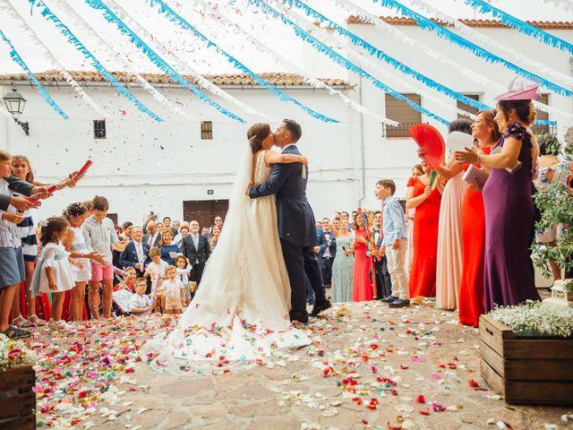 La boda de Daniel y Veronica en Herrera Del Duque, Badajoz 41
