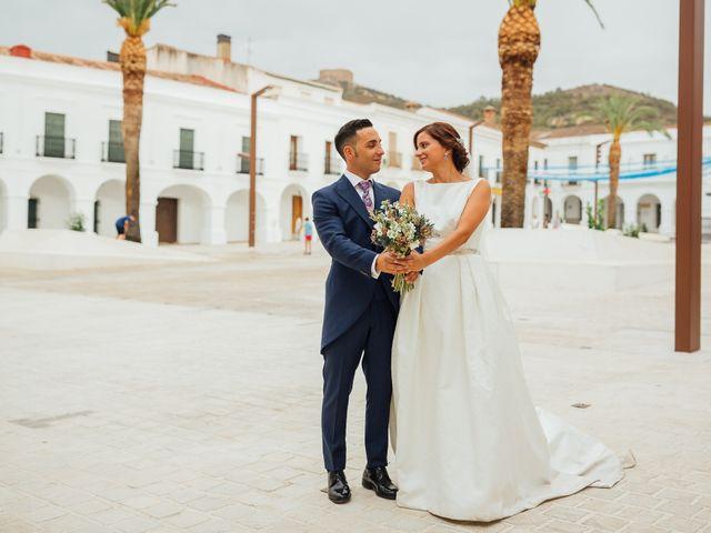 La boda de Daniel y Veronica en Herrera Del Duque, Badajoz 51