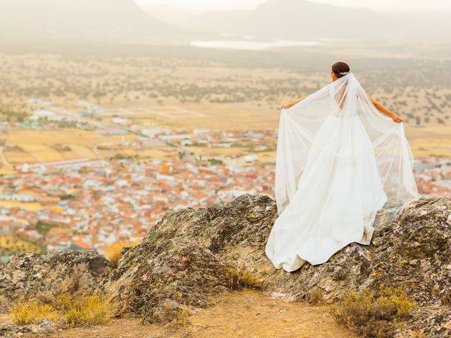 La boda de Daniel y Veronica en Herrera Del Duque, Badajoz 59