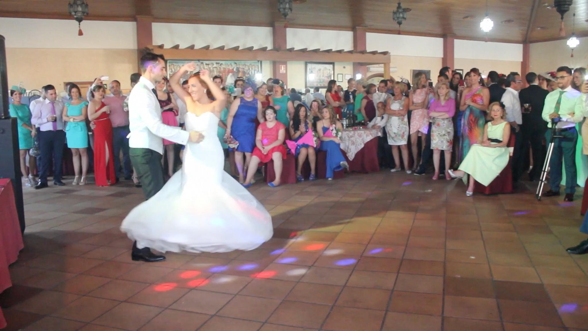 La boda de Juan A. y Mari en Moron De La Frontera, Sevilla