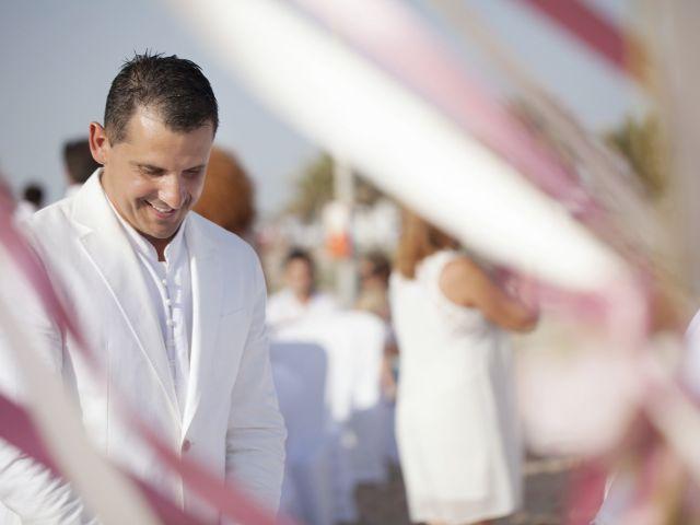 La boda de Fernando y Jezabel en Rota, Cádiz 4