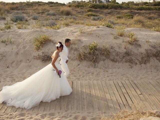 La boda de Fernando y Jezabel en Rota, Cádiz 15