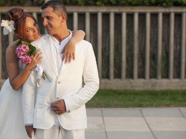 La boda de Fernando y Jezabel en Rota, Cádiz 20