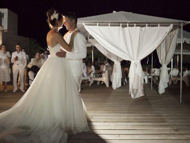 La boda de Fernando y Jezabel en Rota, Cádiz 25