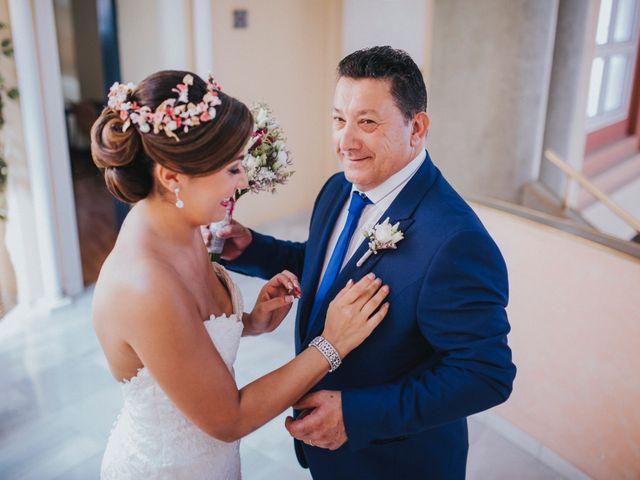 La boda de Javier y Miriam en Camas, Sevilla 32