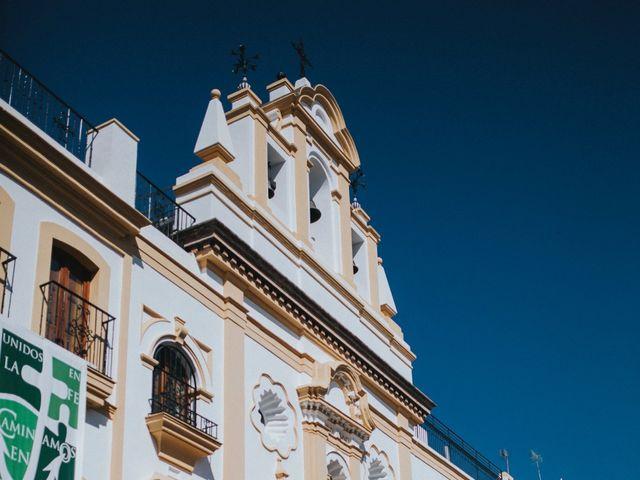 La boda de Javier y Miriam en Camas, Sevilla 35