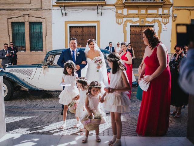 La boda de Javier y Miriam en Camas, Sevilla 40