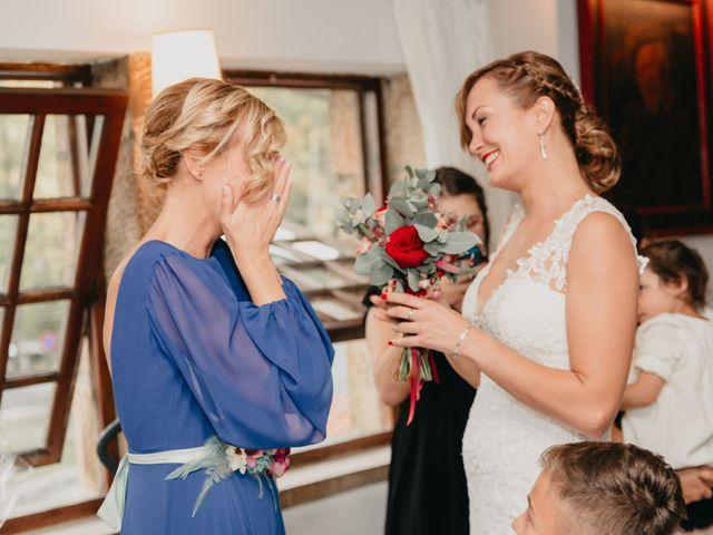 La boda de Xabi y Olatz en Hondarribia, Guipúzcoa 32