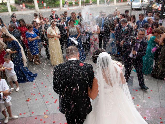 La boda de José Ángel y Raquel en Madrid, Madrid 24
