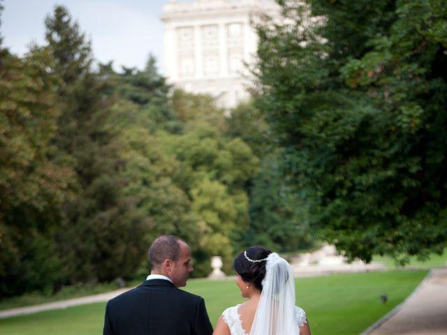 La boda de José Ángel y Raquel en Madrid, Madrid 1
