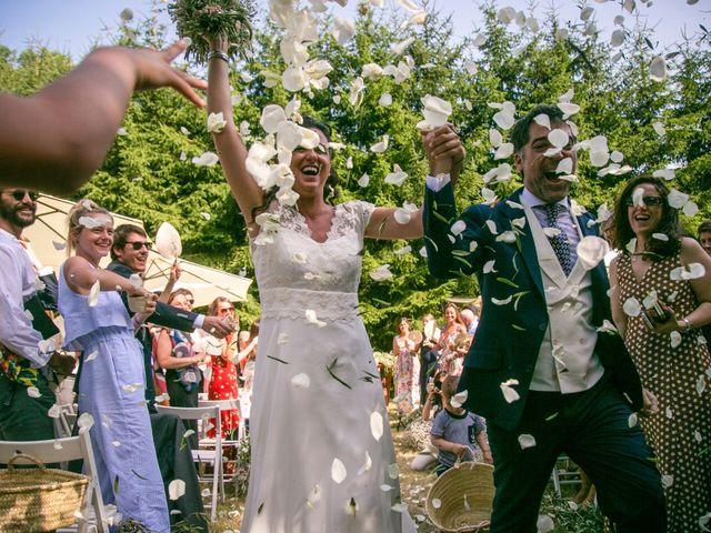 La boda de Miguel y Reyes en Viladrau, Girona 15