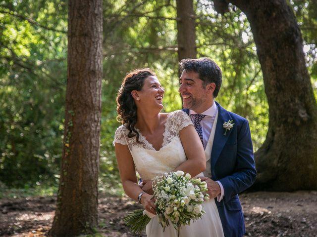 La boda de Miguel y Reyes en Viladrau, Girona 17